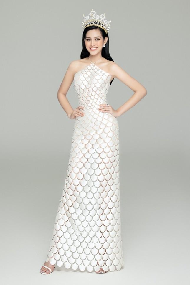 Loạt ảnh đội vương miện đẹp nhất của Hoa hậu Đỗ Thị Hà trong hơn 1 tháng sau đăng quang ảnh 3