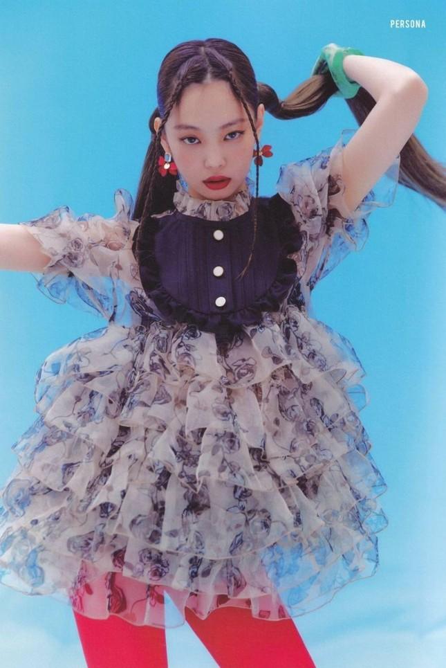 """Seunghee OH MY GIRL biến bộ váy từng được Jennie BLACKPINK mặc thành """"thảm họa thời trang"""" ảnh 4"""