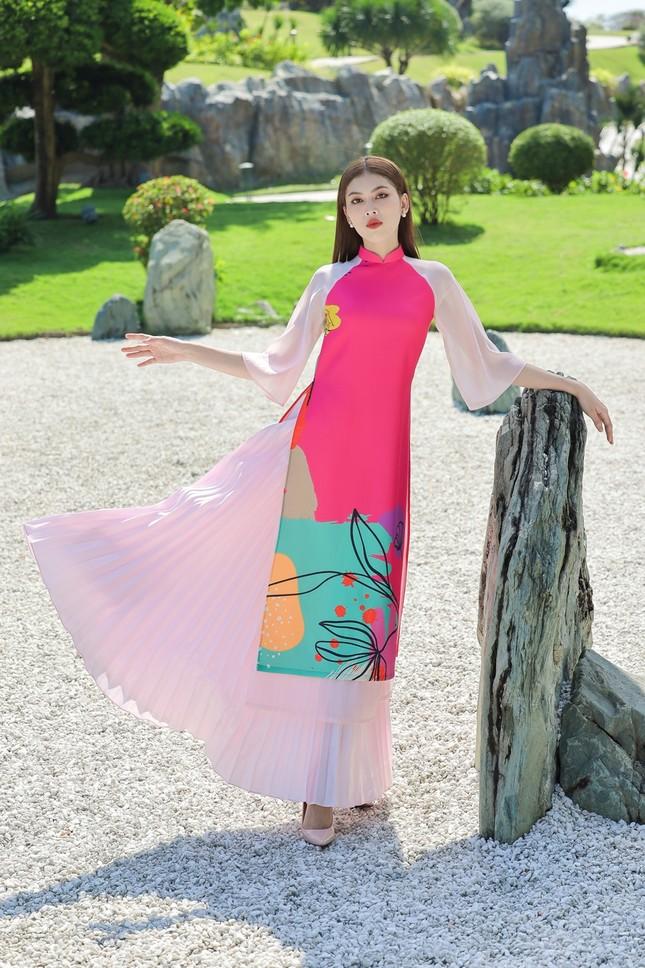 Á hậu Phương Anh, Ngọc Thảo khoe sắc vóc rạng rỡ trong BST áo dài đón Tết Tân Sửu ảnh 10