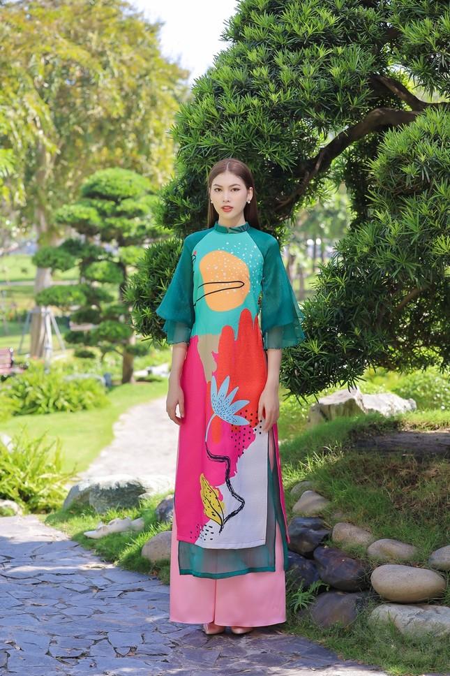 Á hậu Phương Anh, Ngọc Thảo khoe sắc vóc rạng rỡ trong BST áo dài đón Tết Tân Sửu ảnh 6