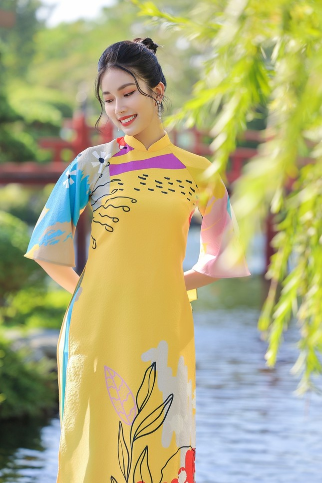 Á hậu Phương Anh, Ngọc Thảo khoe sắc vóc rạng rỡ trong BST áo dài đón Tết Tân Sửu ảnh 5