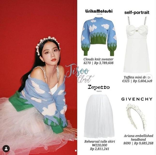Đỉnh như Yuqi (G)I-DLE: Mặc chiếc váy giống Jisoo BLACKPINK mà nhìn mãi mới nhận ra ảnh 4