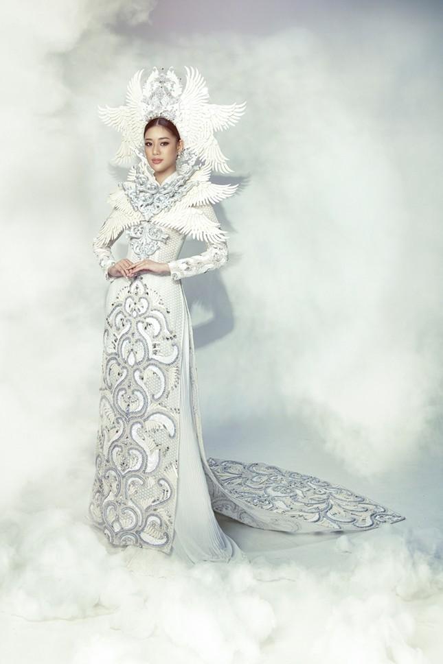 Hoa hậu Khánh Vân đẹp như công chúa bước ra từ truyện cổ tích trong bộ ảnh áo dài ảnh 6