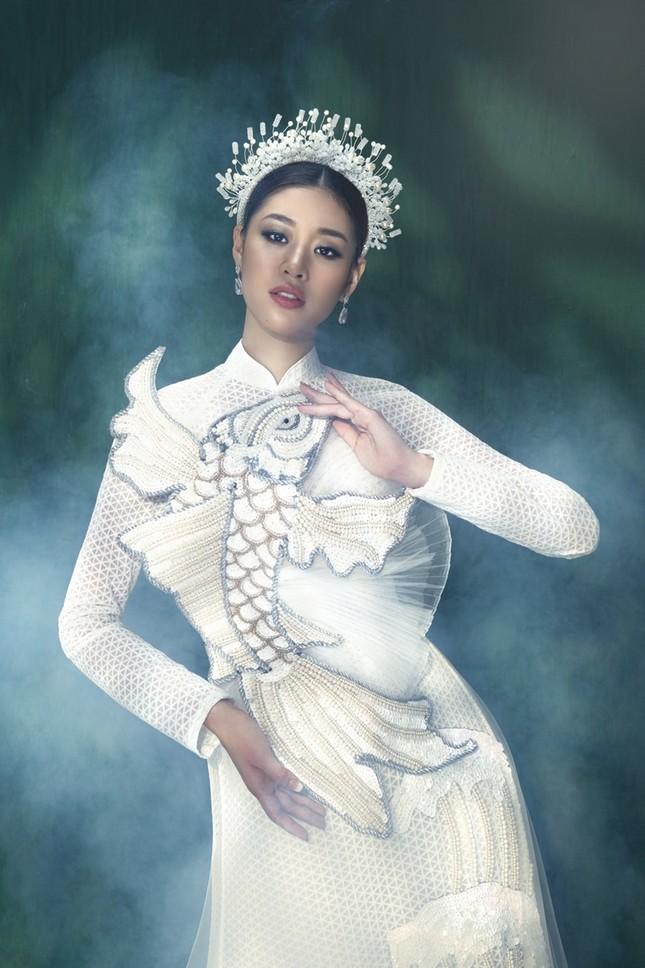 Hoa hậu Khánh Vân đẹp như công chúa bước ra từ truyện cổ tích trong bộ ảnh áo dài ảnh 5