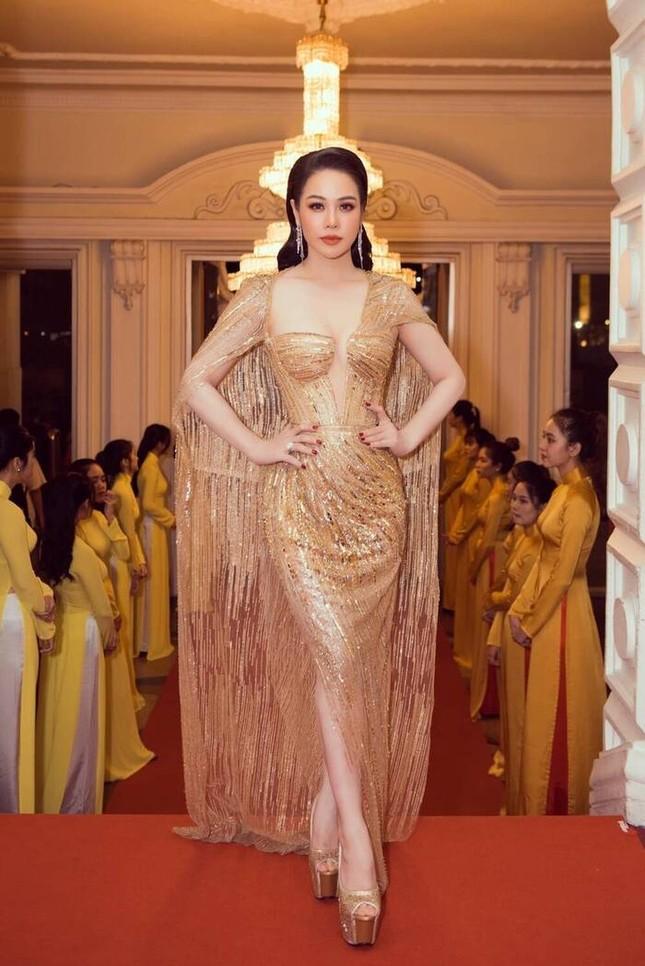 Á hậu Phương Anh mặc bộ váy được yêu thích nhất nhì showbiz Việt, đụng hàng 5 mỹ nhân đình đám ảnh 7