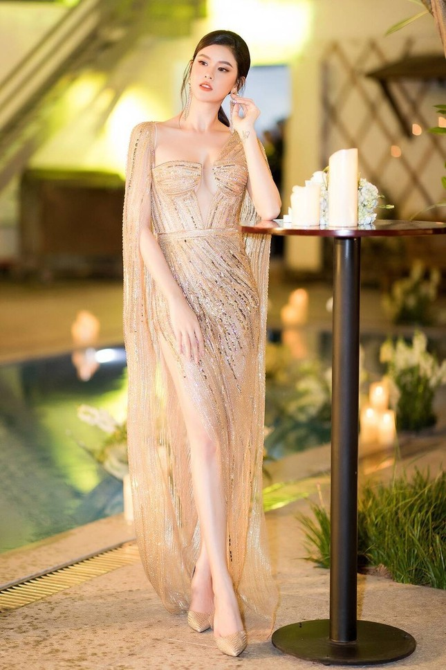 Á hậu Phương Anh mặc bộ váy được yêu thích nhất nhì showbiz Việt, đụng hàng 5 mỹ nhân đình đám ảnh 6