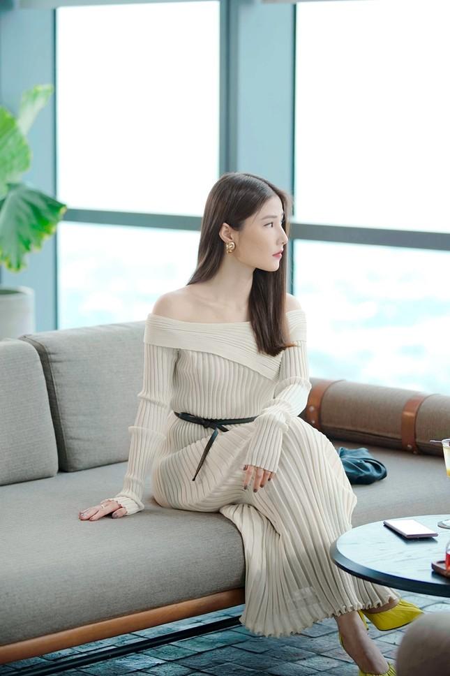 Tạo hình sang chảnh của 3 ngọc nữ hot nhất điện ảnh Việt: Nhã Phương, Lan Ngọc, Diễm My 9X trong phim mới ảnh 4