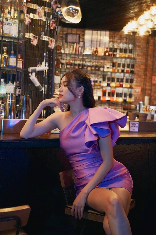 Tạo hình sang chảnh của 3 ngọc nữ hot nhất điện ảnh Việt: Nhã Phương, Lan Ngọc, Diễm My 9X trong phim mới ảnh 9