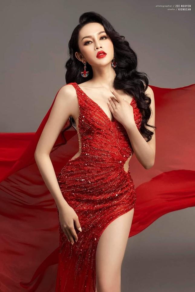"""Nhan sắc """"chuẩn hoa hậu"""" của mỹ nhân chuyển giới được cho là đội hụt vương miện Đại sứ Hoàn Mỹ 2020 ảnh 5"""
