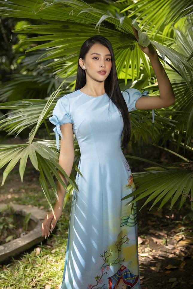 """Hoa hậu Tiểu Vy dự đoán xu hướng áo dài Tết độc đáo, có thể sẽ là """"hot trend"""" năm nay ảnh 10"""