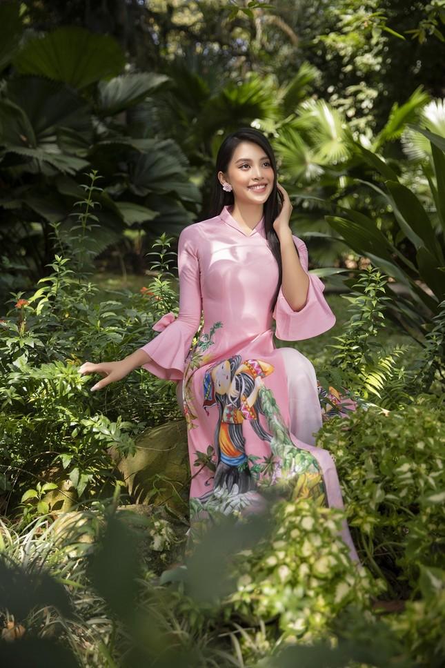 """Hoa hậu Tiểu Vy dự đoán xu hướng áo dài Tết độc đáo, có thể sẽ là """"hot trend"""" năm nay ảnh 7"""