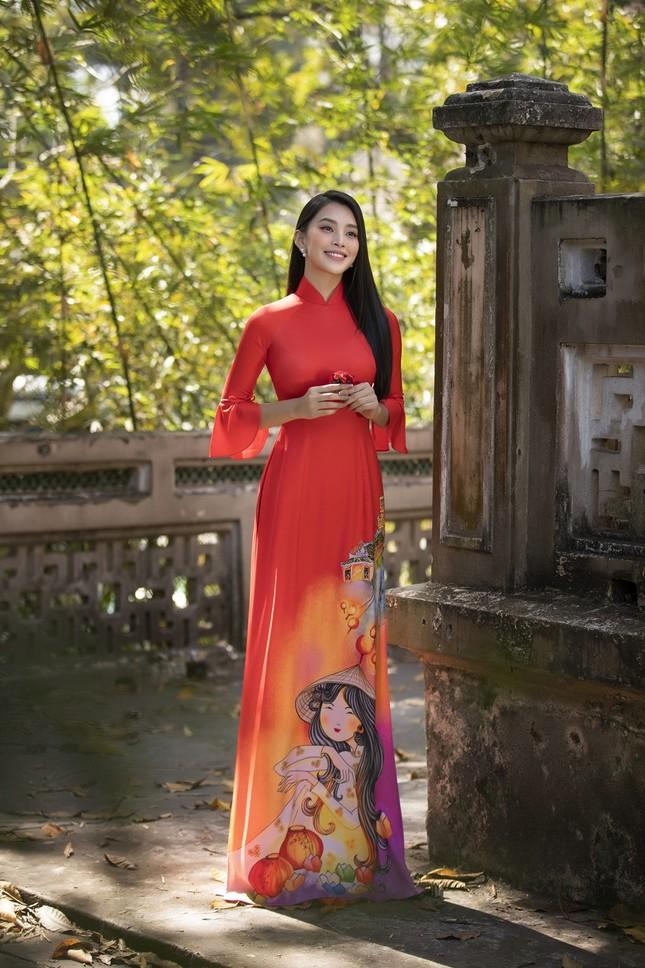 """Hoa hậu Tiểu Vy dự đoán xu hướng áo dài Tết độc đáo, có thể sẽ là """"hot trend"""" năm nay ảnh 13"""