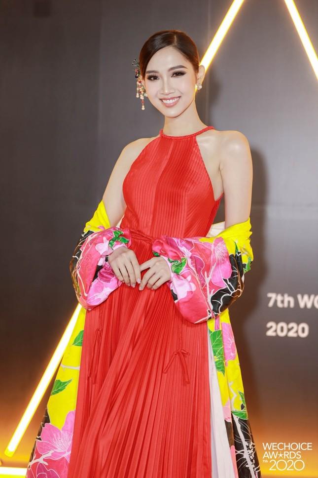 Lâm Khánh Chi, Lynk Lee và dàn người đẹp chuyển giới xinh đẹp rực rỡ trên thảm đỏ WeChoice ảnh 1
