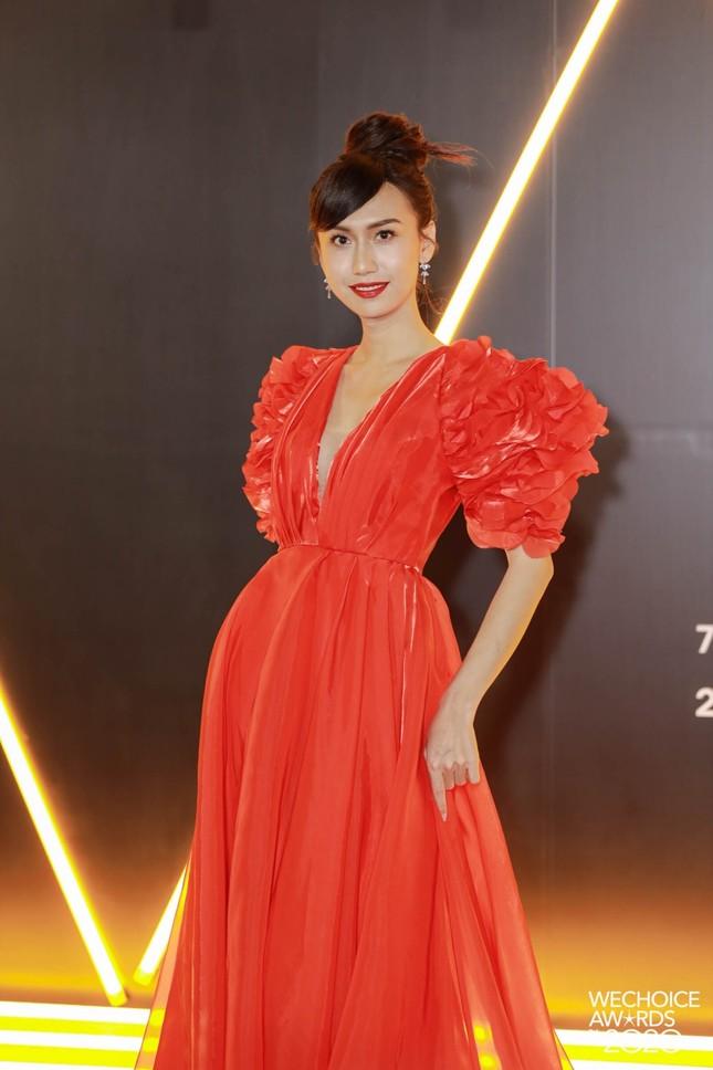 Lâm Khánh Chi, Lynk Lee và dàn người đẹp chuyển giới xinh đẹp rực rỡ trên thảm đỏ WeChoice ảnh 3