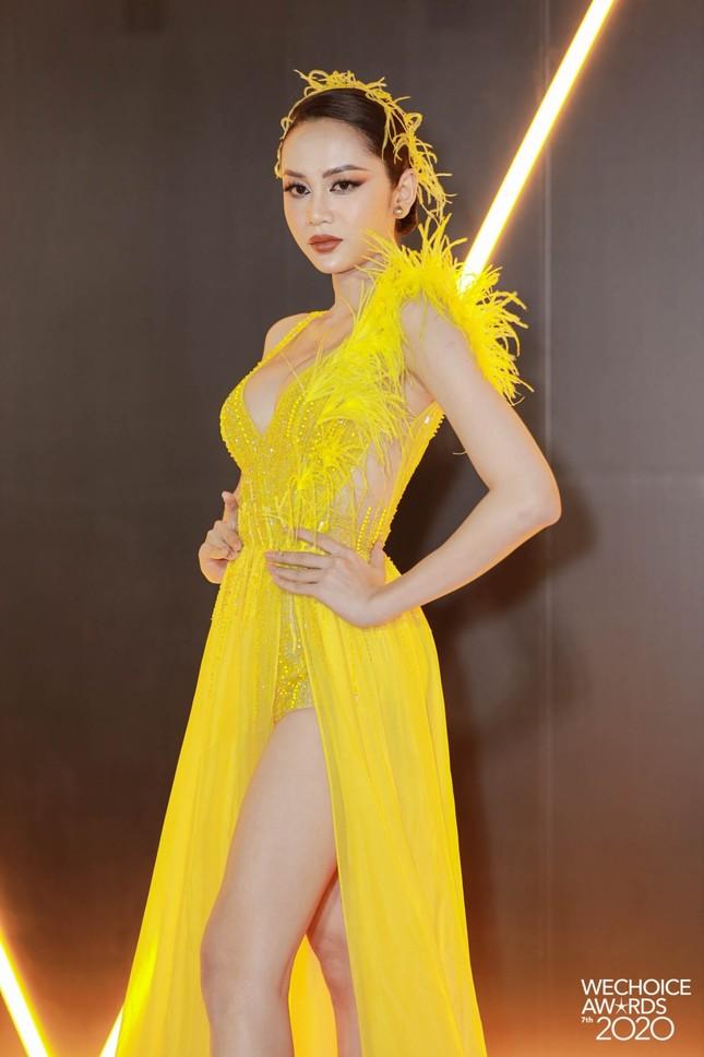 Lâm Khánh Chi, Lynk Lee và dàn người đẹp chuyển giới xinh đẹp rực rỡ trên thảm đỏ WeChoice ảnh 4