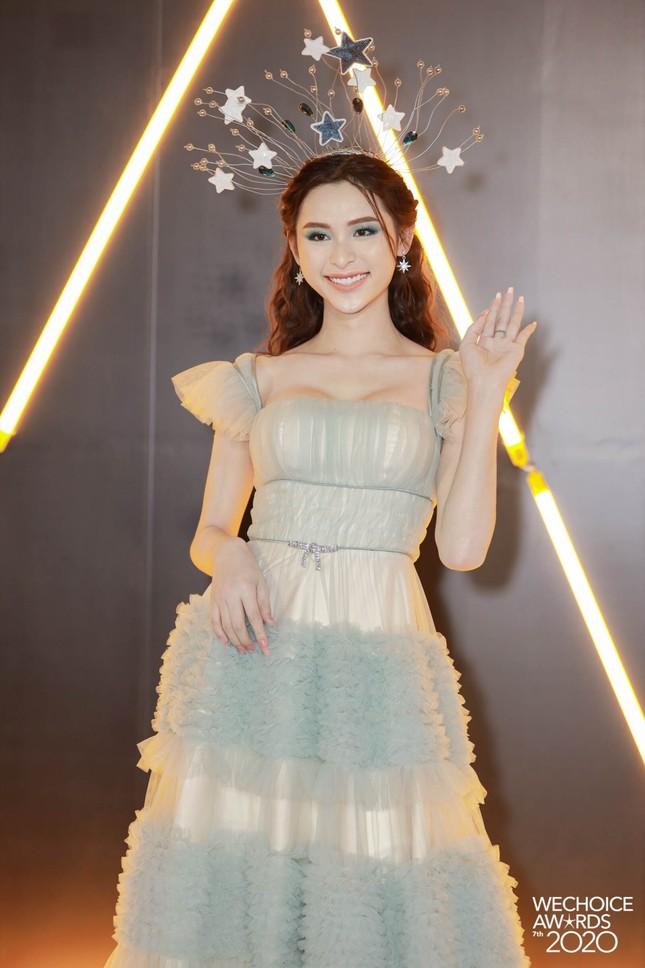Lâm Khánh Chi, Lynk Lee và dàn người đẹp chuyển giới xinh đẹp rực rỡ trên thảm đỏ WeChoice ảnh 5