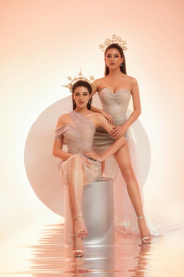 Hoa hậu Tiểu Vy - Đỗ Hà lần đầu đọ sắc trong một khung hình thời trang, thần thái cực đỉnh ảnh 3