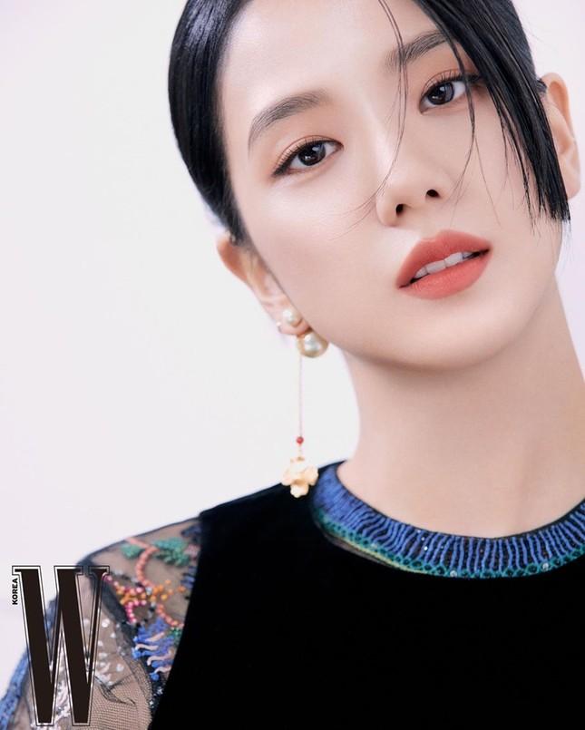 Học ngay Jisoo (BLACKPINK) cách chọn son để make-up xinh lung linh đón Tết ảnh 4