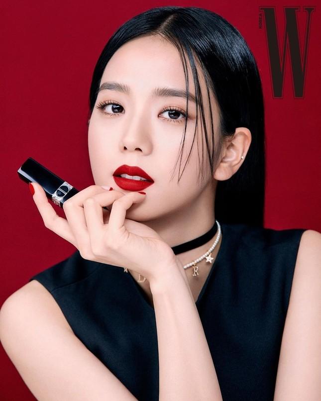 Học ngay Jisoo (BLACKPINK) cách chọn son để make-up xinh lung linh đón Tết ảnh 1