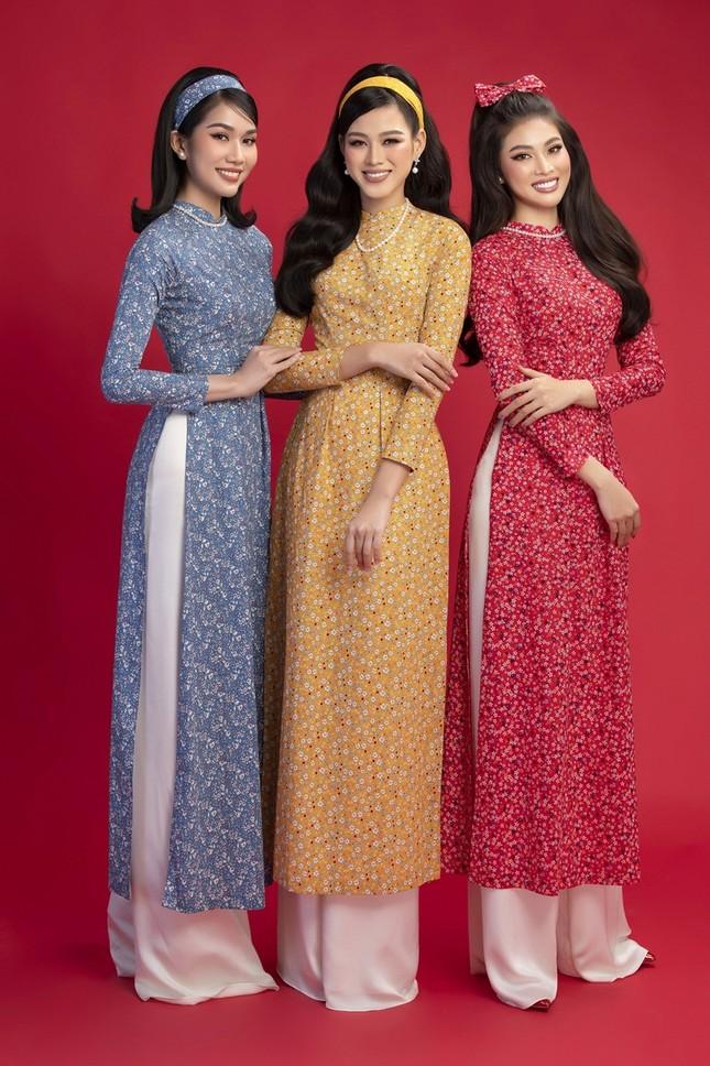 Ngắm Top 3 Hoa Hậu Việt Nam 2020 đẹp sắc sảo, ấn tượng trong những tà áo dài đón Tết ảnh 3