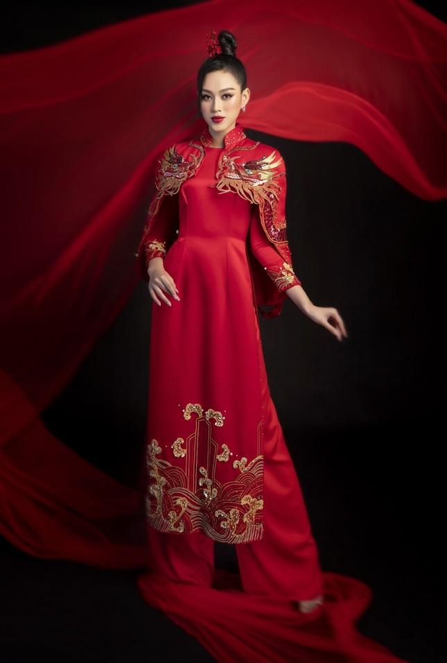 Ngắm Top 3 Hoa Hậu Việt Nam 2020 đẹp sắc sảo, ấn tượng trong những tà áo dài đón Tết ảnh 5