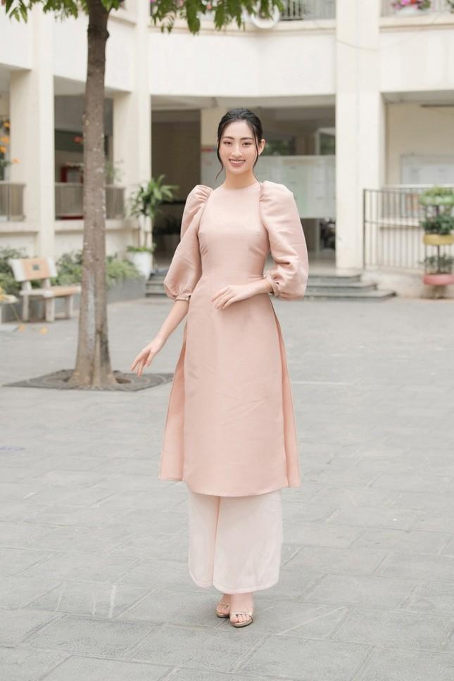 Dàn mỹ nhân Việt gợi ý cách diện áo dài Tết cực xinh để có những bức ảnh nghìn like ảnh 3
