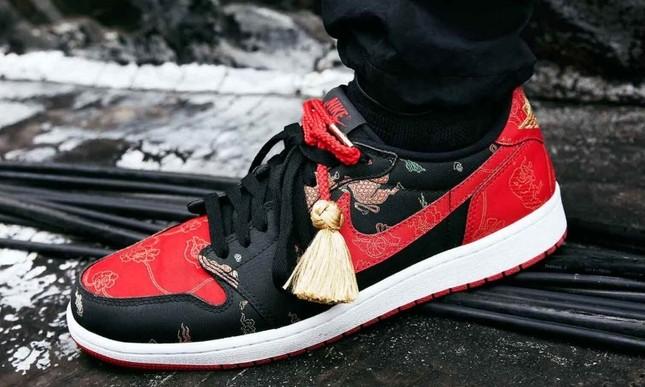 """Nike ra mắt đôi giày Air Jordan phiên bản Tết Tân Sửu khiến """"team cuồng giày"""" náo loạn ảnh 5"""