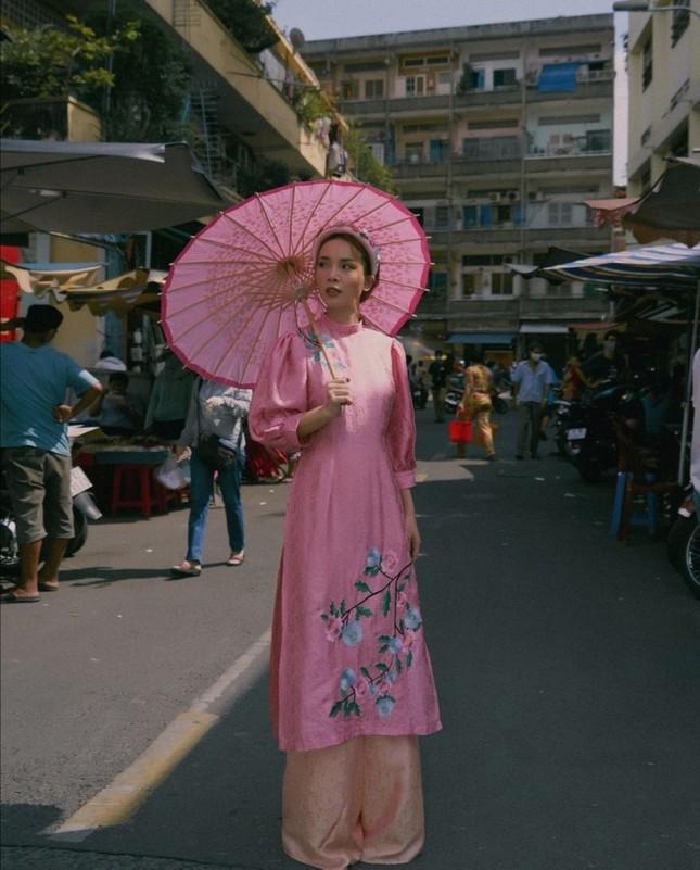 Dàn mỹ nhân Việt gợi ý cách diện áo dài Tết cực xinh để có những bức ảnh nghìn like ảnh 6