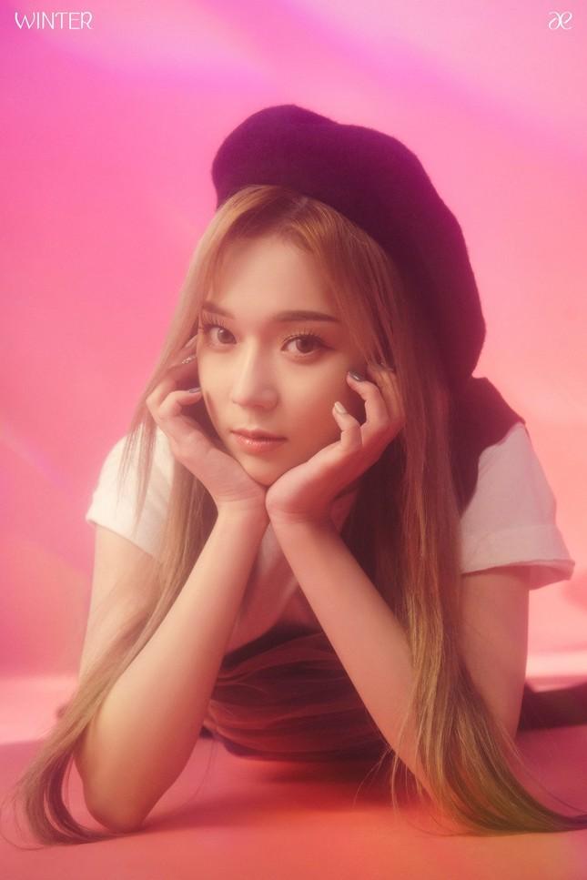 """aespa tung ảnh nhá hàng single album """"Forever"""", netizen chê stylist hết lời vì nhóm trông quá tẻ nhạt ảnh 5"""