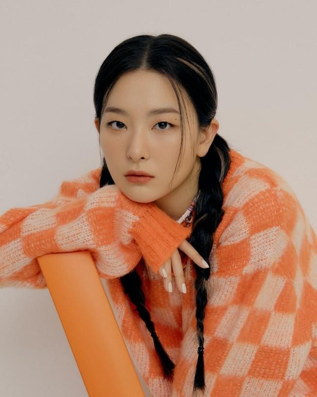 Seulgi (Red Velvet) siêu ngầu trong loạt ảnh quảng cáo cho mẫu giày mới của Converse All Star ảnh 8