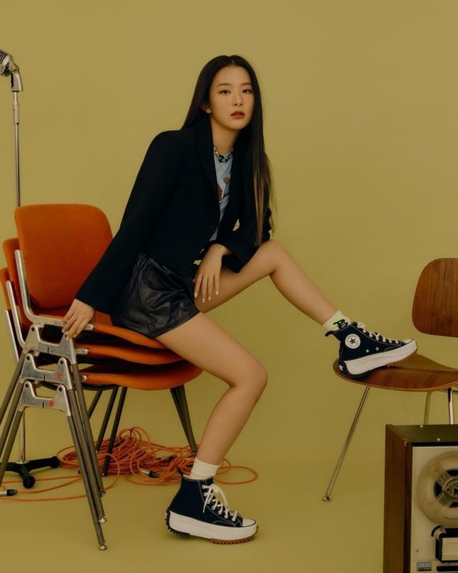 Seulgi (Red Velvet) siêu ngầu trong loạt ảnh quảng cáo cho mẫu giày mới của Converse All Star ảnh 2