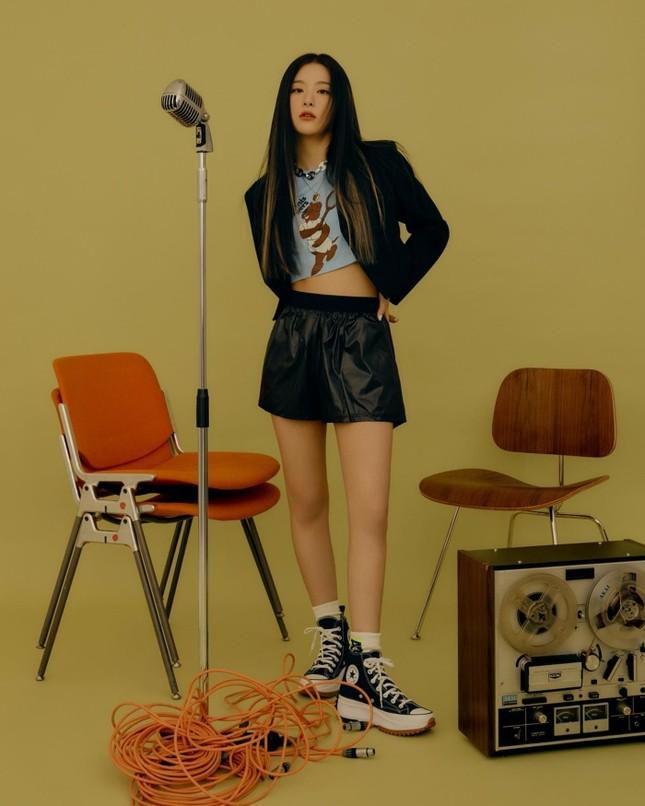 Seulgi (Red Velvet) siêu ngầu trong loạt ảnh quảng cáo cho mẫu giày mới của Converse All Star ảnh 6