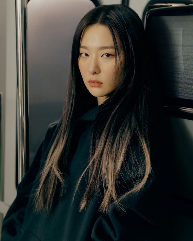 Seulgi (Red Velvet) siêu ngầu trong loạt ảnh quảng cáo cho mẫu giày mới của Converse All Star ảnh 9