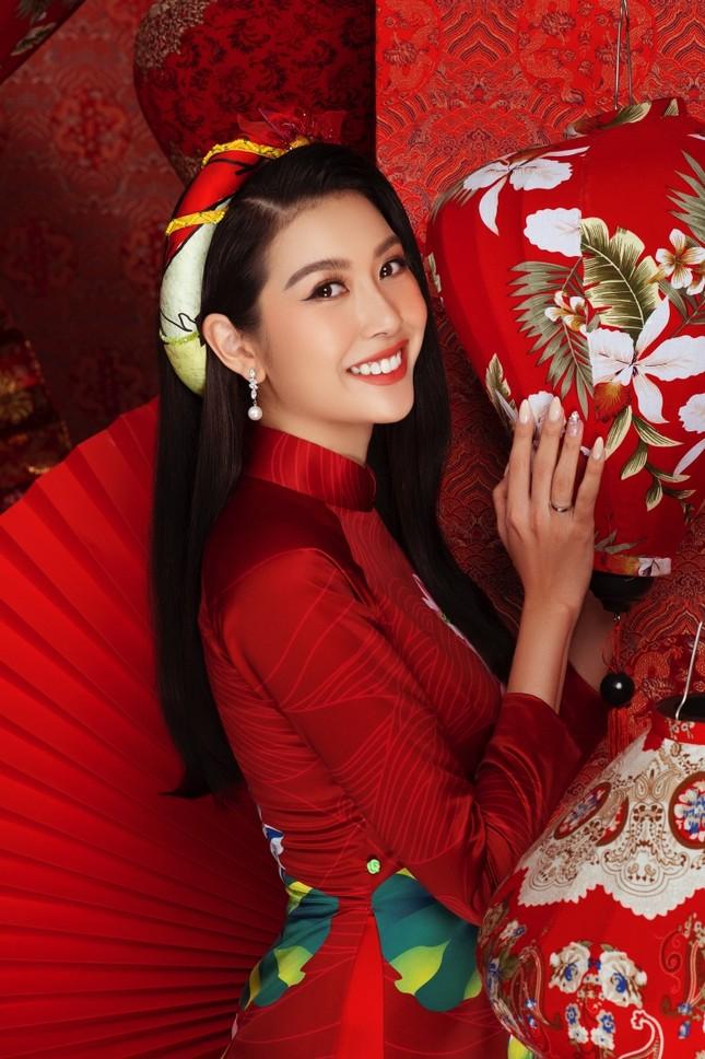 Ngắm dàn người đẹp Hoa hậu Hoàn vũ khoe sắc rạng ngời trong bộ ảnh Tết Tân Sửu ảnh 5
