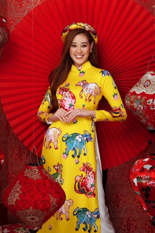 Ngắm dàn người đẹp Hoa hậu Hoàn vũ khoe sắc rạng ngời trong bộ ảnh Tết Tân Sửu ảnh 2