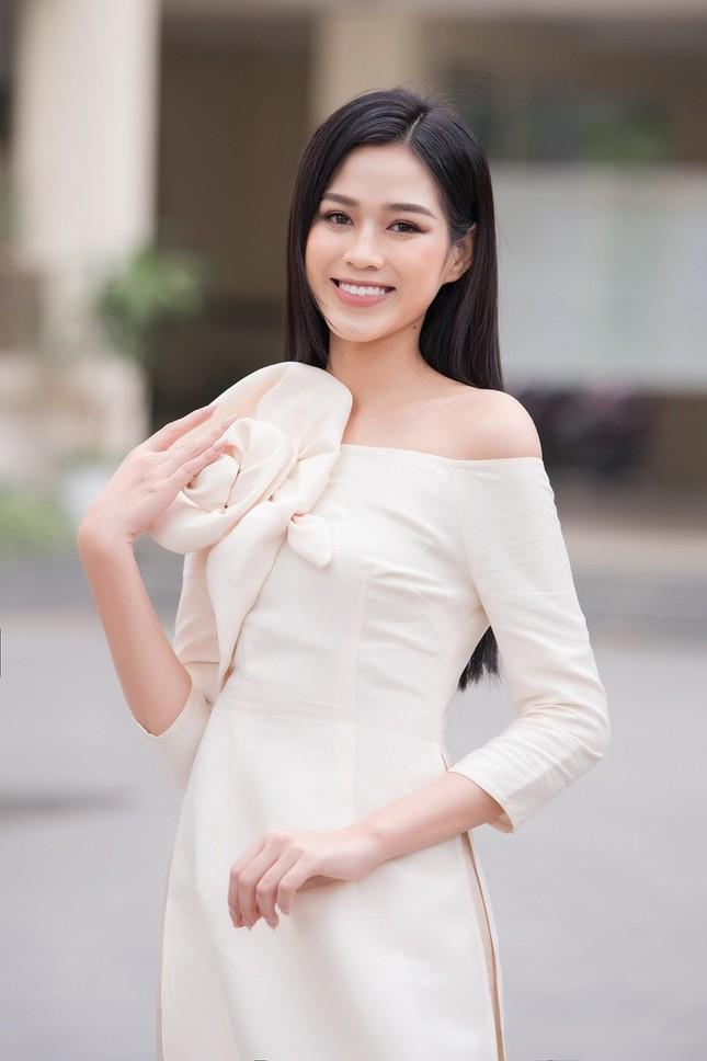 Học ngay mỹ nhân Việt cách diện trang phục Tết vừa thời trang mà không lo bị nóng ảnh 1