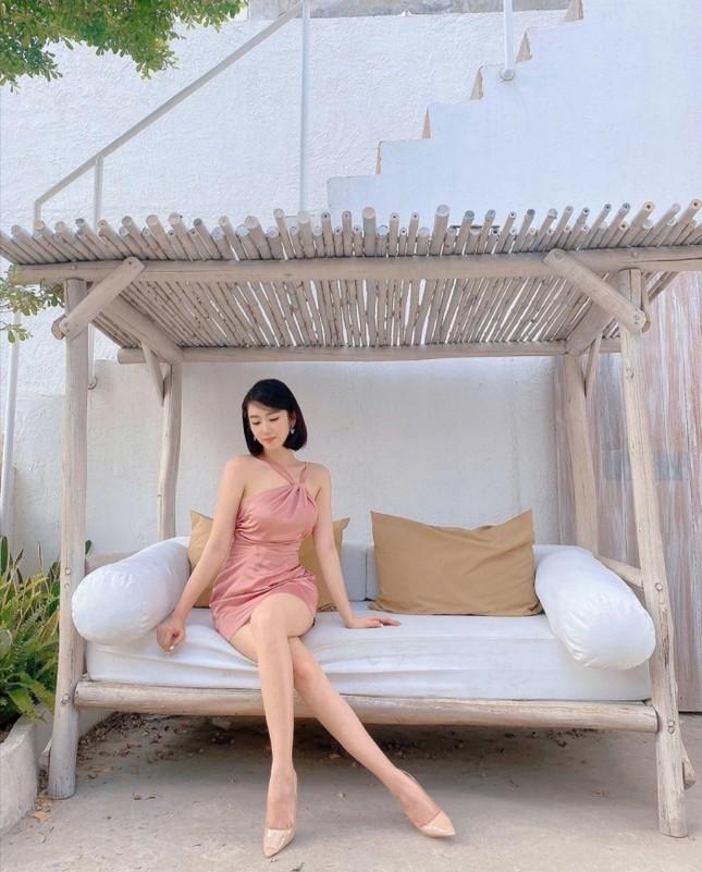 Học ngay mỹ nhân Việt cách diện trang phục Tết vừa thời trang mà không lo bị nóng ảnh 6