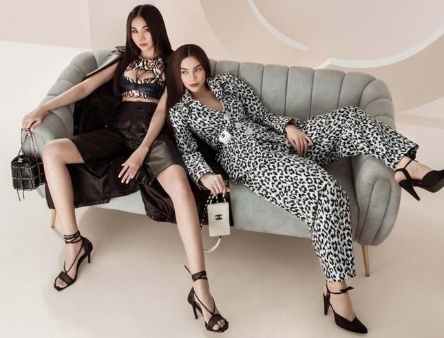 Đầu năm mới, Thanh Hằng và Hà Hồ tung bộ ảnh đậm chất high-fashion, mãn nhãn từ cái nhìn đầu tiên! ảnh 2