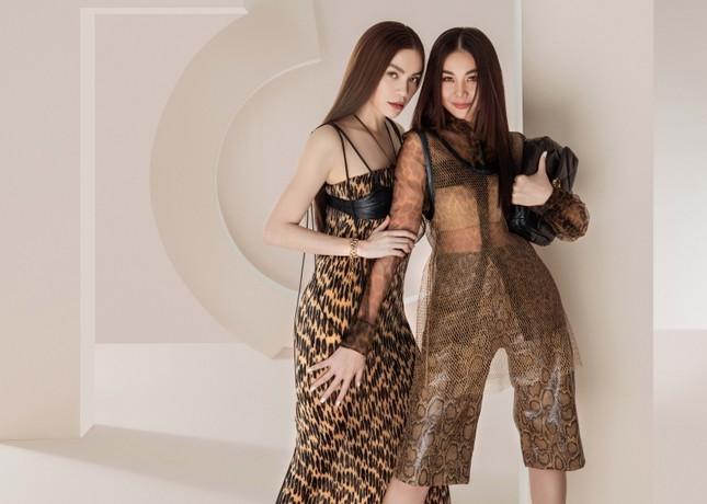Đầu năm mới, Thanh Hằng và Hà Hồ tung bộ ảnh đậm chất high-fashion, mãn nhãn từ cái nhìn đầu tiên! ảnh 3