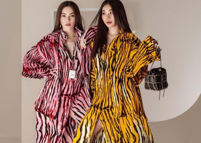 Đầu năm mới, Thanh Hằng và Hà Hồ tung bộ ảnh đậm chất high-fashion, mãn nhãn từ cái nhìn đầu tiên! ảnh 1