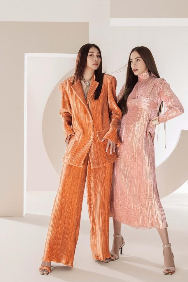 Đầu năm mới, Thanh Hằng và Hà Hồ tung bộ ảnh đậm chất high-fashion, mãn nhãn từ cái nhìn đầu tiên! ảnh 8