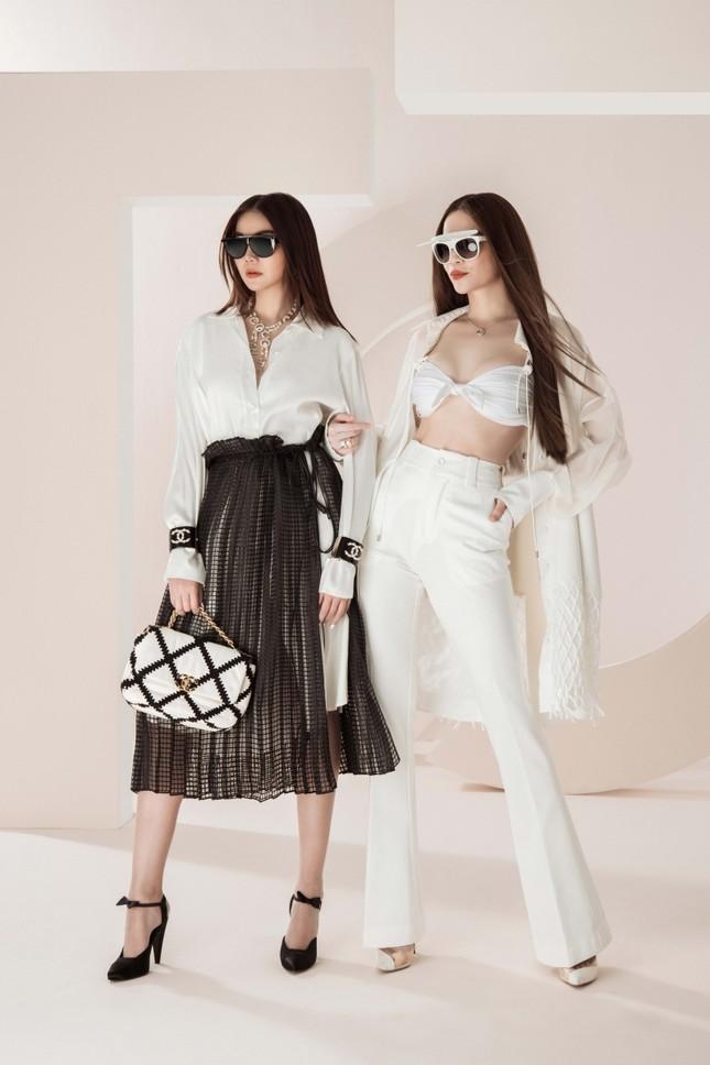 Đầu năm mới, Thanh Hằng và Hà Hồ tung bộ ảnh đậm chất high-fashion, mãn nhãn từ cái nhìn đầu tiên! ảnh 6