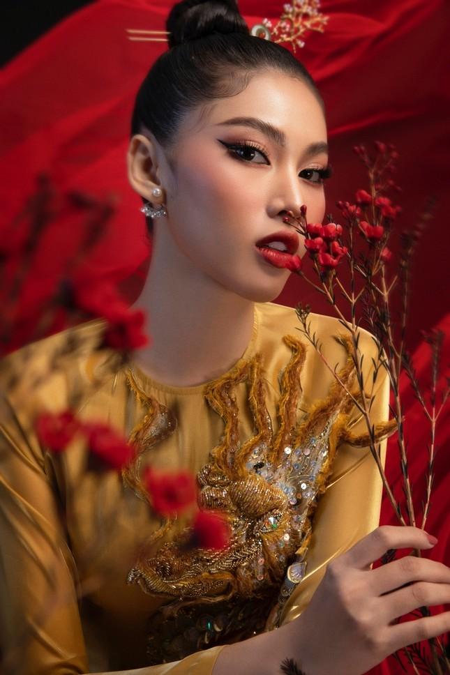 Nhìn bản phác thảo quốc phục của Á hậu Ngọc Thảo, netizen dự đoán sẽ vô cùng hoành tráng ảnh 6