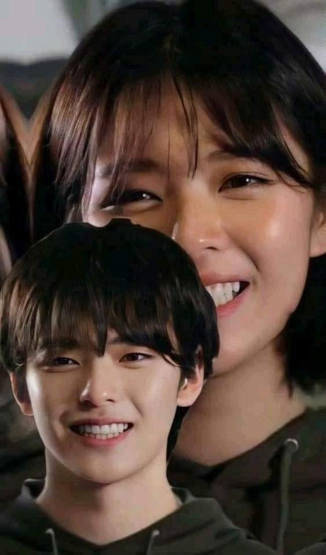 """Ngắm loạt ảnh TWICE hóa """"mỹ nam"""", netizen đồng loạt công nhận dù là nam hay nữ đều """"mlem"""" ảnh 2"""