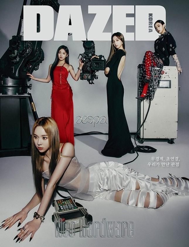 Chẳng ai như aespa, đại sứ thương hiệu mà cứ mặc đồ Givenchy là bị chê tơi tả ảnh 4