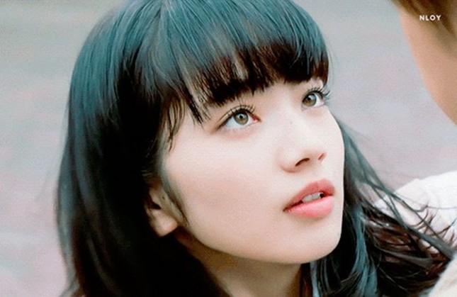 Nữ diễn viên Nhật mang vẻ đẹp tổng hợp của Lisa (BLACKPINK) và Suzy gây bão mạng xã hội ảnh 3