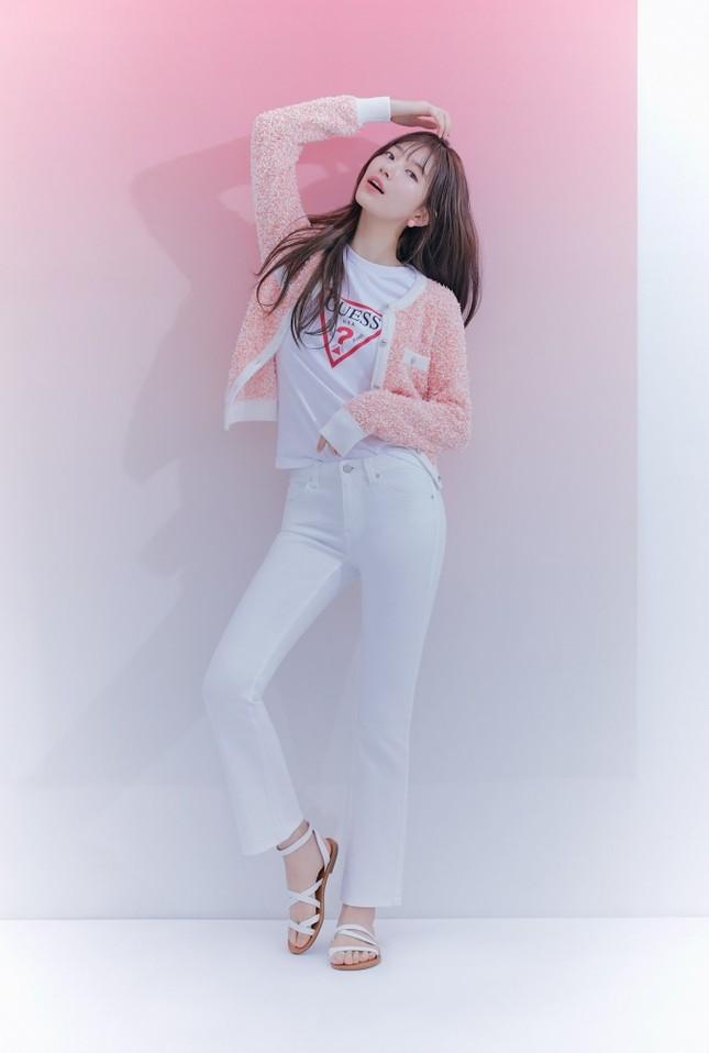 """Các """"nữ thần"""" cùng tung bộ ảnh thời trang, Suzy liệu có thần thái hơn Jisoo (BLACKPINK) và Song Hye Kyo? ảnh 6"""