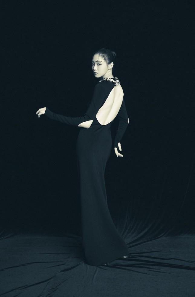 Đụng hàng đồ Givenchy với đàn chị đình đám, aespa dù là đại sứ thương hiệu vẫn bị chê ảnh 5