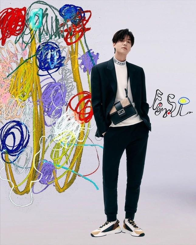 """Song Hye Kyo đăng ảnh quảng cáo sương sương nhưng thần thái chuẩn """"nữ thần"""" ảnh 8"""