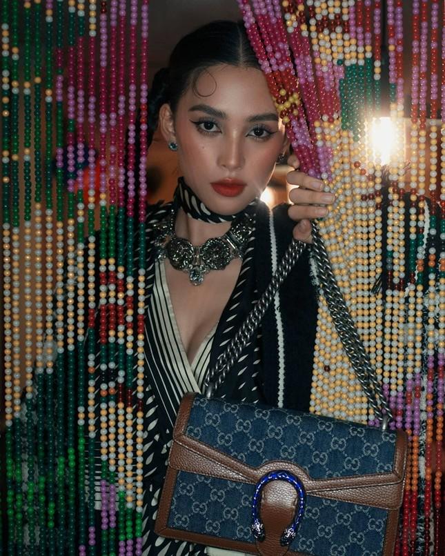 """Hoa hậu Tiểu Vy tung bộ ảnh diện đồ Gucci đẹp xuất thần, đổi phong cách cực """"chất"""" ảnh 7"""